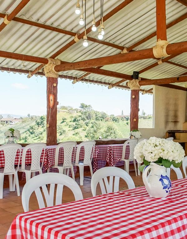 comedor-itzae-mesas-sillas-2